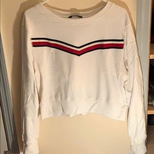 White sweater w stripe detailing
